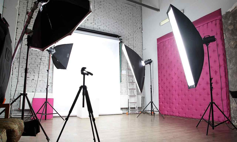 How to choose a good studio backdrop for Product Photography